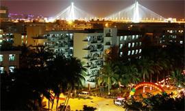 海南大學學生宿舍夜景