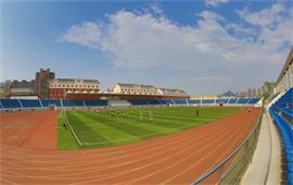 東財體育場