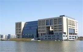 上海海事大学校景