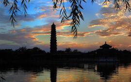 河南大学铁塔湖
