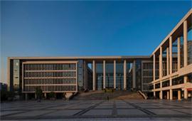 广州大学正门