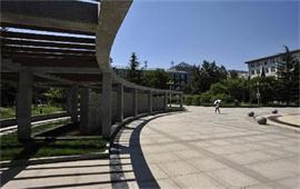 北京物资学院广场