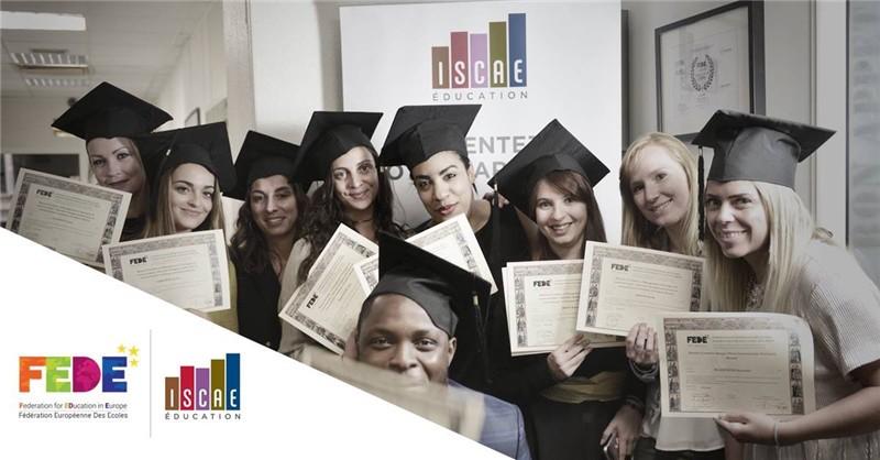 欧洲高校联盟学生毕业照图片图集