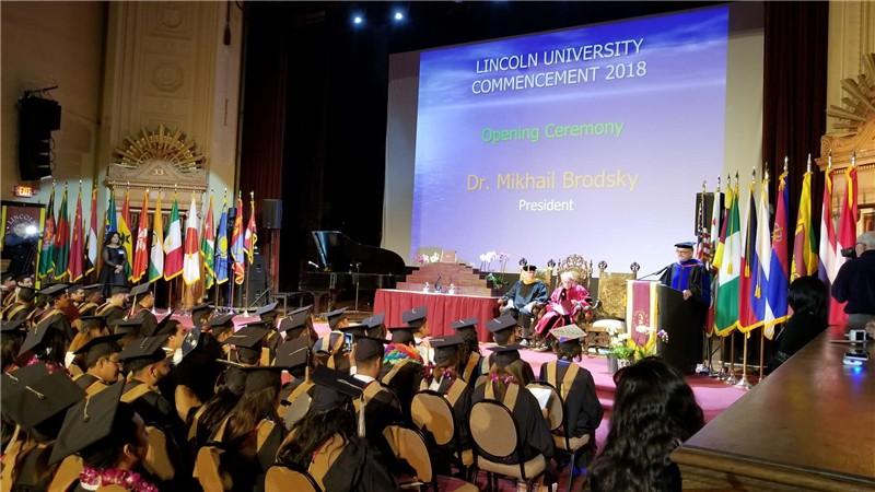 美国林肯大学毕业典礼图集