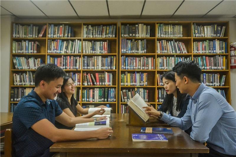 菲律宾国父大学图书馆图集