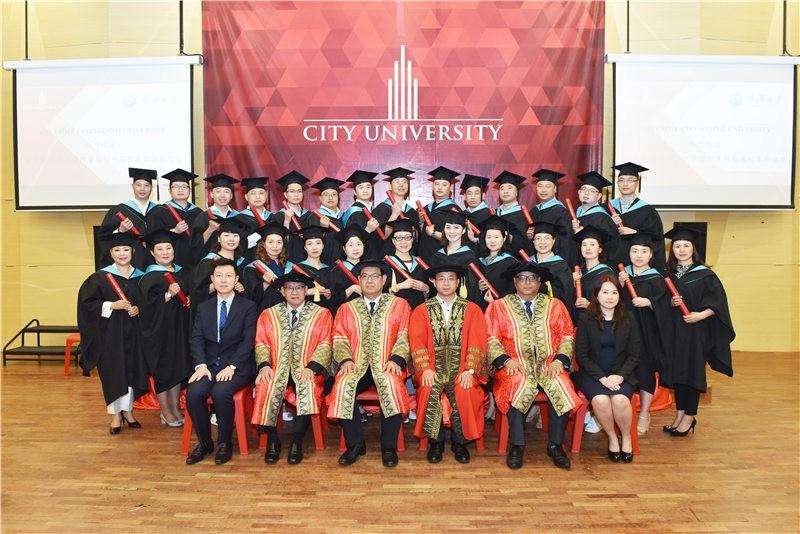 马来西亚城市大学毕业合影图集