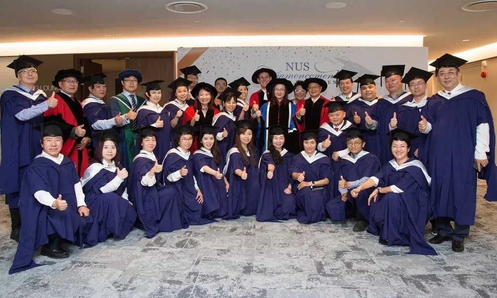 新國大商學院2018年畢業典禮圖集