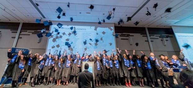法国ESG高等商学院毕业现场图集