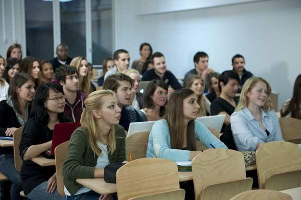 法国ESG高等商学院上课图集