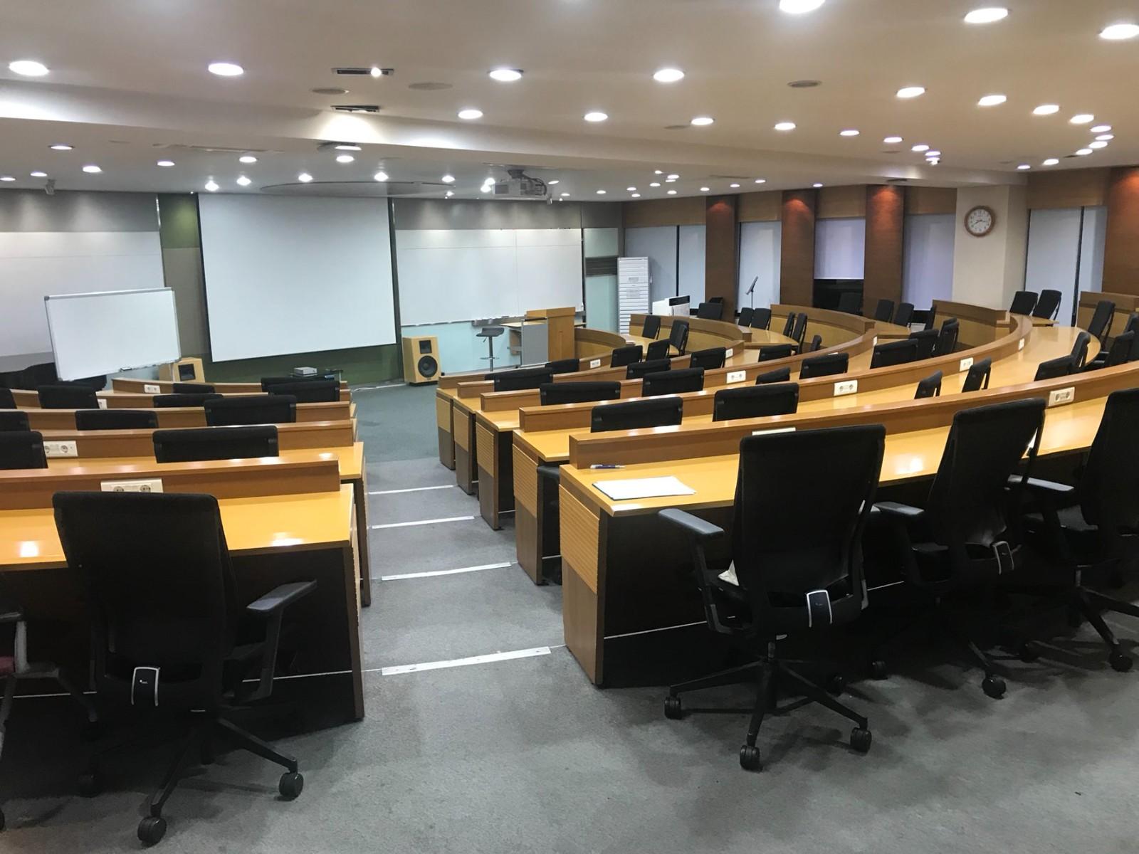 首尔科学综合大学院大学阶梯教室