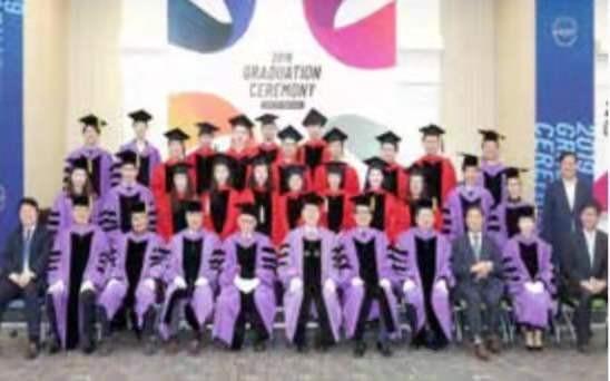 首尔科学综合大学院大学毕业合影