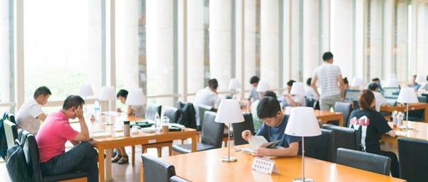 新疆大学新闻专业在职研究生上课详情