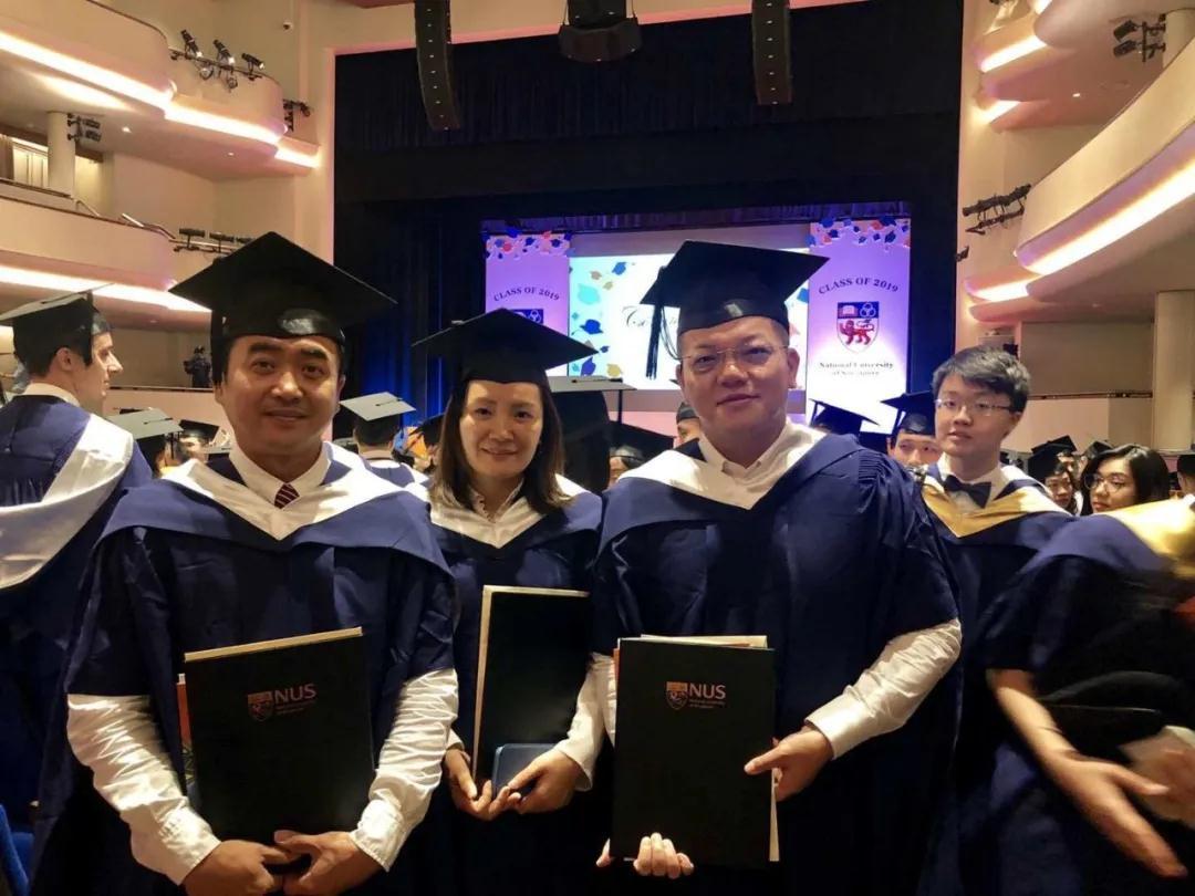 新加坡国立大学合影